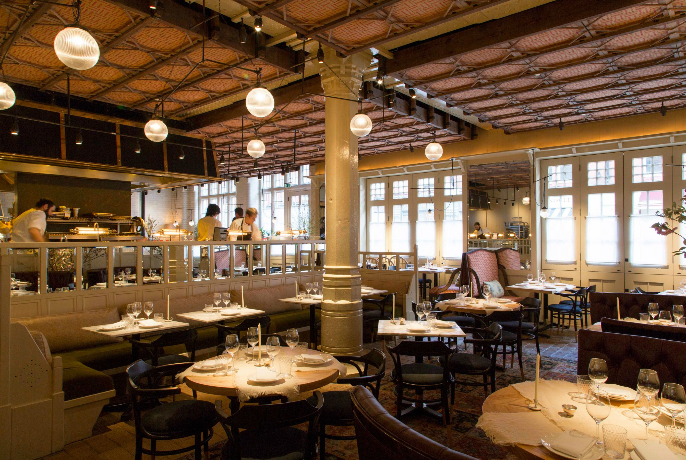 Chiltern firehouse one smokin hot table article for Articles cuisine paris